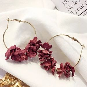⚜️[𝟯/$𝟮𝟴]⚜️Red Flowers Big Hoop Earrings New